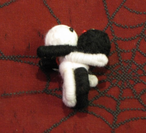 Black and White Hugging Voodoo Keychain