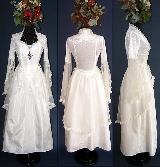 Eternal Love Ivory Wedding Gothic La Belle Dame Dress