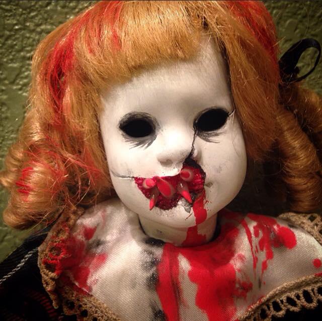Картинки про страшные куклы