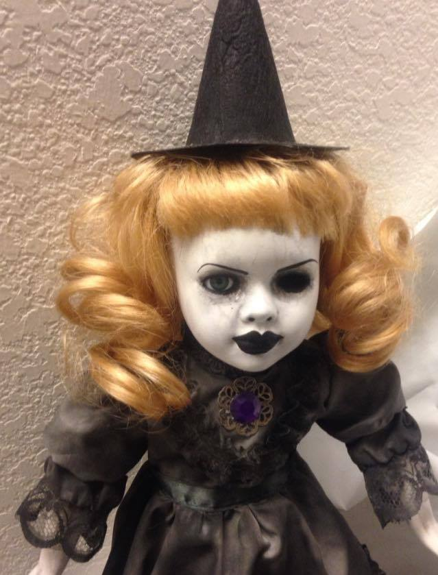 Pretty One Eye Witch Blonde Hair w/ Brooch Creepy Horror Doll by Christie Creepydolls - Click Image to Close