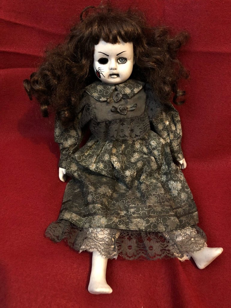 OOAK Sitting One Eye w Spider Mourning Creepy Horror Doll Art by Christie Creepydolls