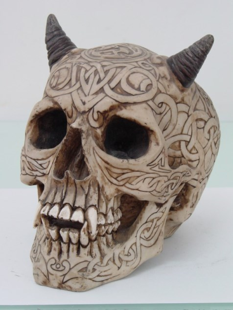 Celtic Vampire Demon Skull with Horns