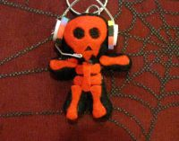 Black and Red Skull w Headphones Voodoo Keychain
