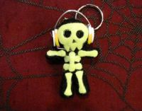 Black and Yellow Skull w Headphones Voodoo Keychain
