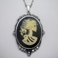 Large Lolita Cameo Silver Necklace